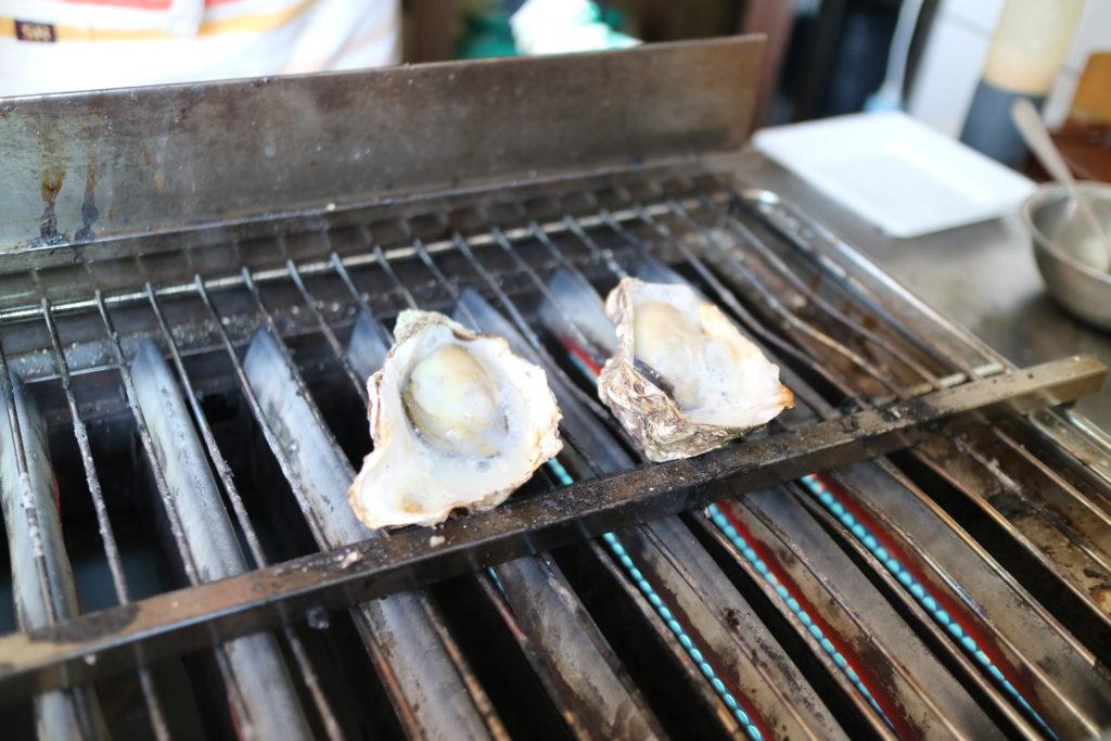 宮島山代屋の焼き牡蠣