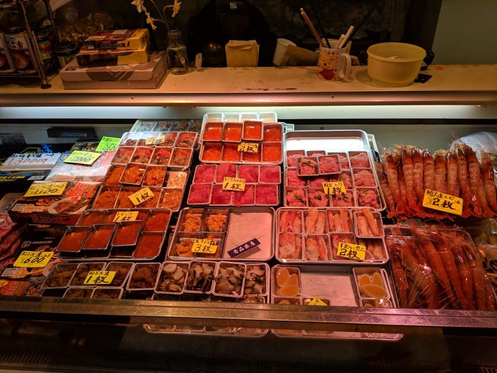 青森古市市場のっけ丼写真